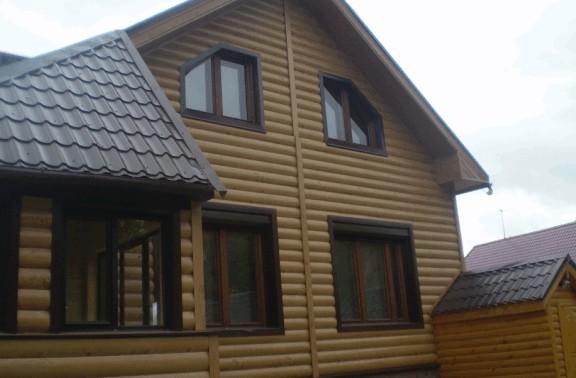 дом отделанный металлическим блок-хаусом