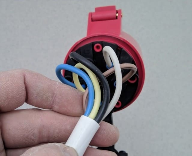 кабель ПВС в работе