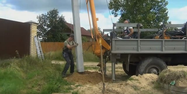 бетонирование опоры столба