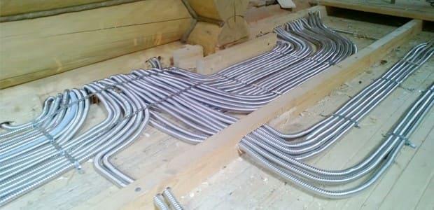 В деревянном здании для электромонтажа требуется оцинкованный металлорукав