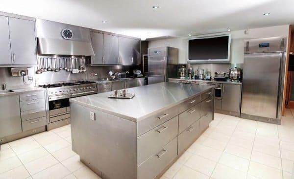нержавеющая сталь на кухне